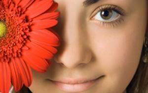 Penderita Blefarospasme Mata Berkedip