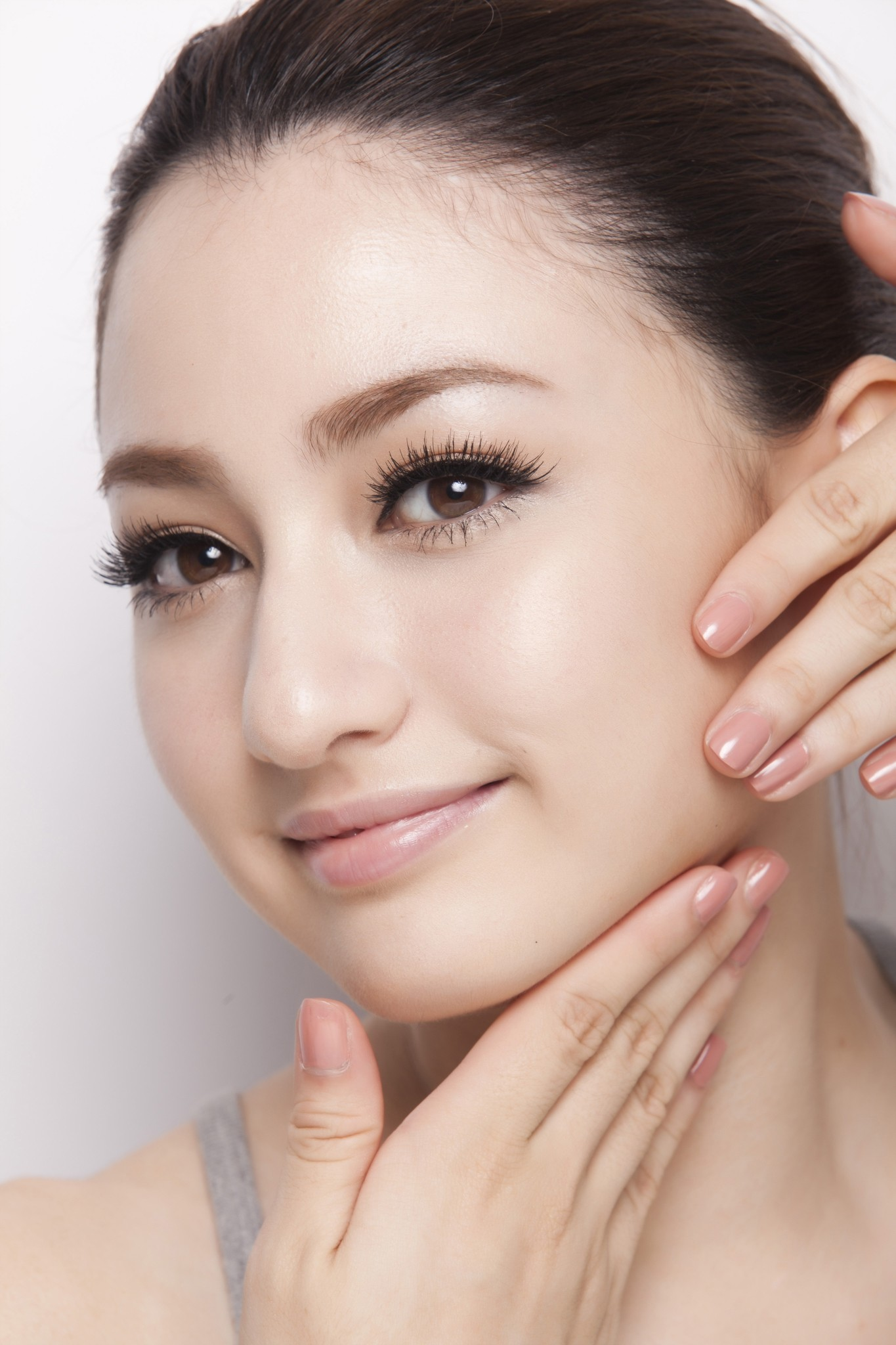 Menggunakan Sunscreen Untuk Melindungi Kulit Wajah Anda