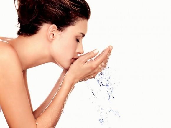 Terlalu Sering Mencuci Muka Menyebab Kulit Wajah Berminyak