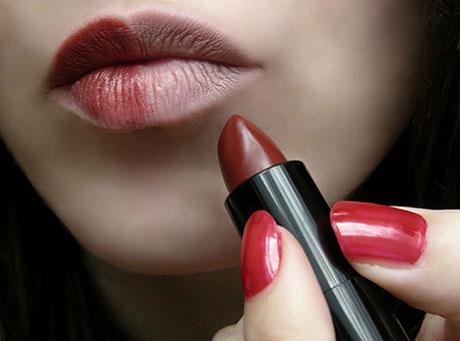 Tips Membedakan Lipstik Asli dan Palsu yang Beredar Dipasaran
