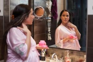 Bahaya Kandungan Kosmetik Bagi Ibu Hamil